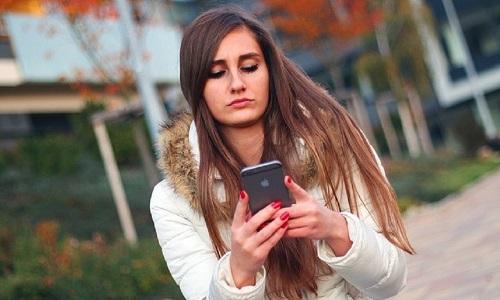 women text romance